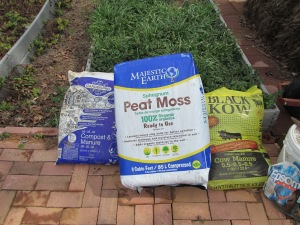 Peat Moss, Compost, Cow Manure