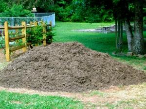 Oak mulch for garden paths.